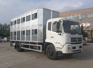 东风天锦 (拉猪车) 畜禽运输车