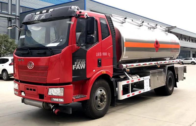 解放单桥12吨铝合金油罐车 运油车 罐车 槽罐车
