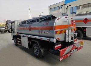 江淮骏铃5吨油罐车 运油车 槽罐车图片