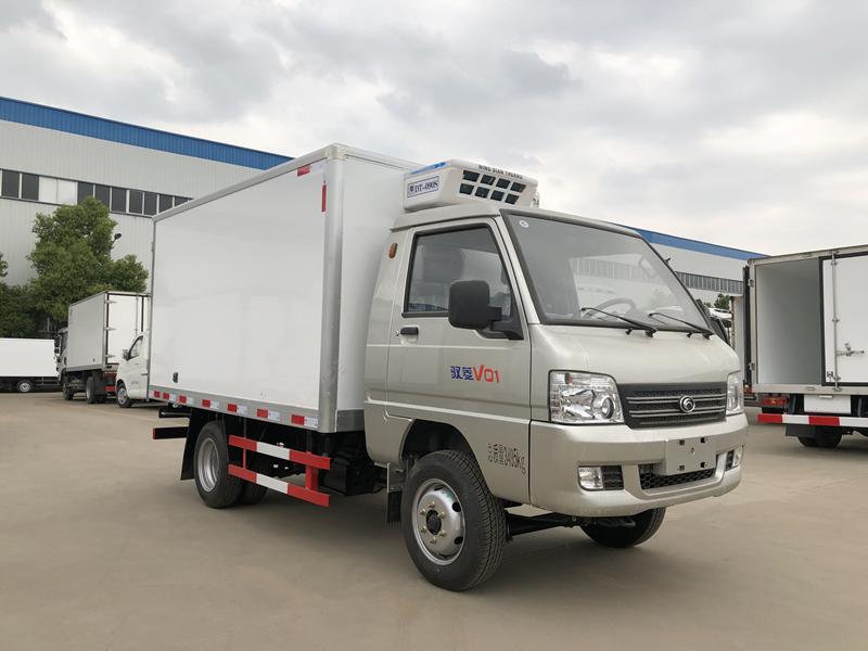 福田驭菱后双胎2.9米冷藏车