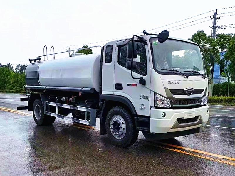 山东济南福田瑞沃15吨洒水车配置参数价格厂家图解