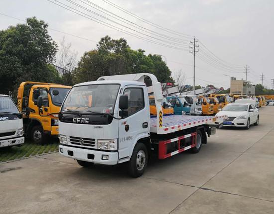 国五东风多利卡蓝牌一拖二清障车发车,湖南长沙客户来厂自提!