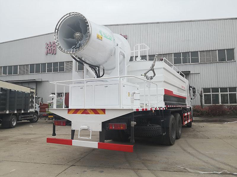 郑州市18吨抑尘车面对滚滚浓尘大显神威