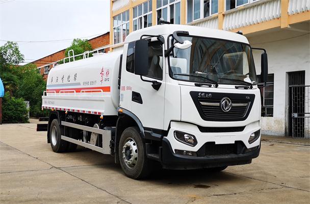 东风天锦KR洒水车-12-15吨洒水车